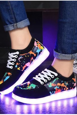 The new camouflage graffiti colorful glowing shoes for men and women lovers shoes USB rechargeable LED lights flashing